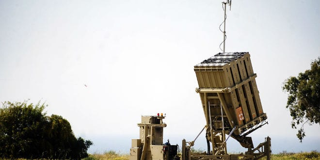 Iron Dome battery system deployed near Ashkelon. (Photo: IDF/ Wiki Commons)