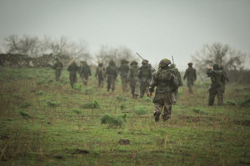 IDF 5 Soldiers stick together during the exercise.