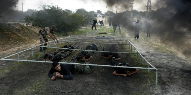 Palestinian students seen during a military-styled exercise routine at a course conducted by the Hamas-run ministry of education, in Rafah in the southern Gaza Strip January 9, 2014. (Photo: Abed Rahim Khatib/Flash90)