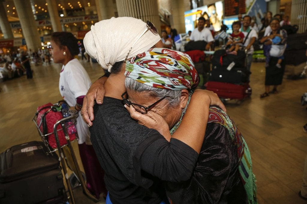 Family members reunited after years of being apart. (Photo: Israel Returns)