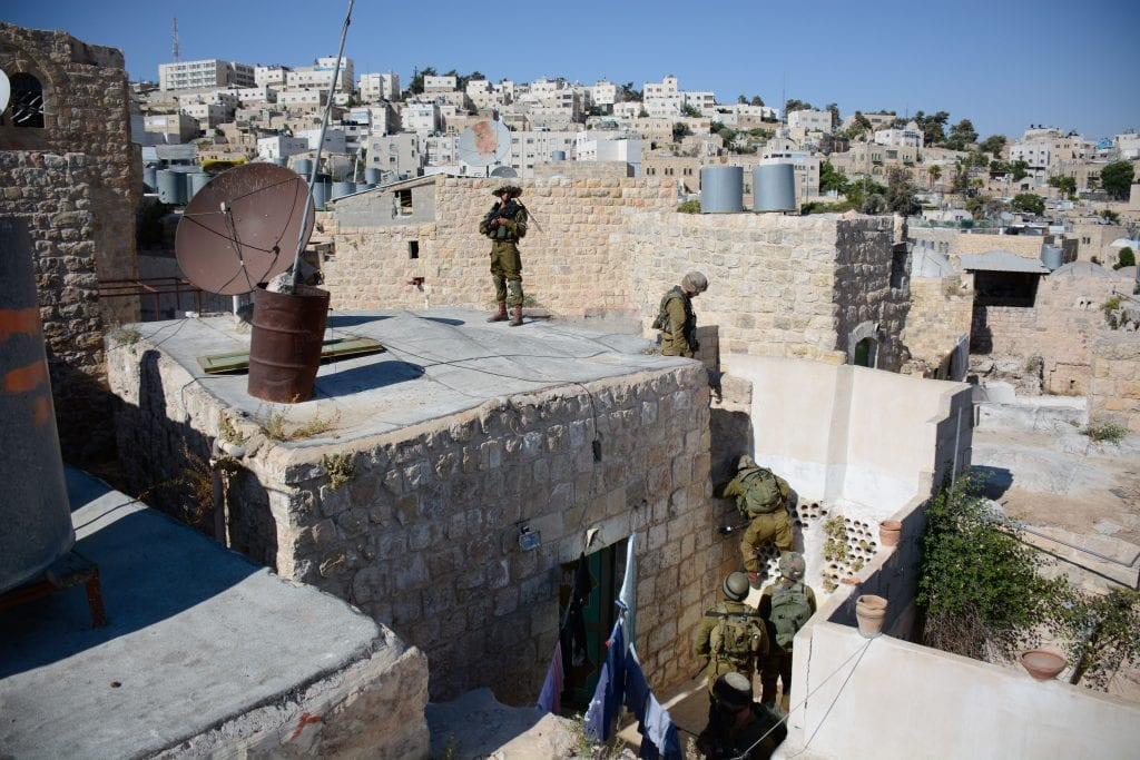 IDF forces conduct searches in Hebron for the missing teens, June 14, 2014. (Photo: IDF)