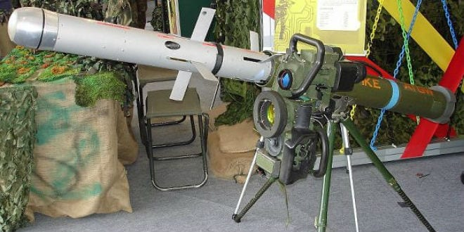 SPIKE ATGM complete with mock-up SPIKE LR missile. (Photo: Wiki Commons)