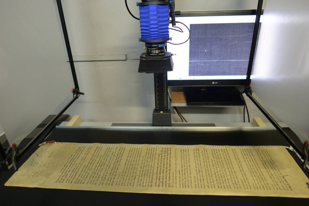 Photographing Israel's Declaration of Independence as part of preservation effort by the IAA. (Photo: Amos Ben Gershom/ GPO)