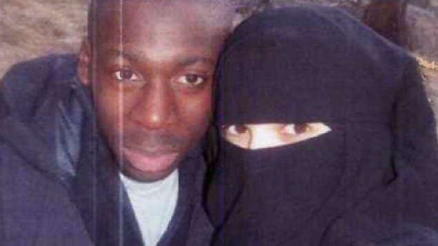 Amedy Coulibaly with his wife in an undated photo. (Photo: Screenshot/ Itele)