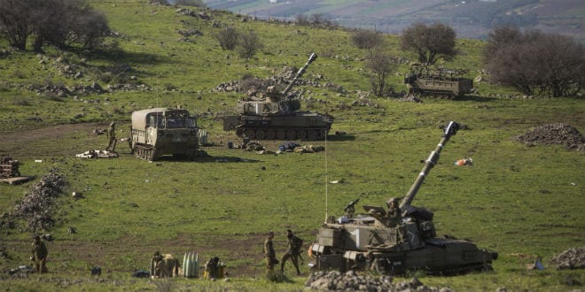 Israeli artillery seen in the Golan Heights. (Photo: Basal Awidat/Flash90)