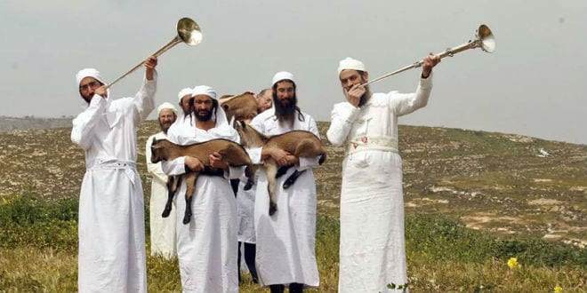 Kohanim blowing silver trumpets in a reenactment of a Temple service. (Photo: The Temple Institute)