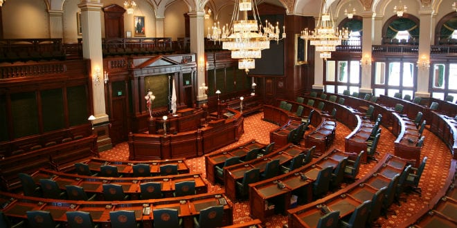 The chamber of the Illinois House of Representatives, which on Monday unanimously (102-0) passed legislation that bans state pension funds from including in their portfolios companies that participate in the Boycott, Divestment and Sanctions (BDS) movement against Israel. (Photo: Daniel Schwen/ Wikimedia Commons)