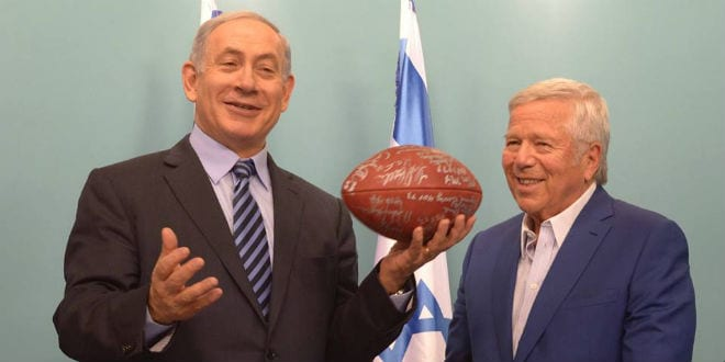 Israeli Prime Minister Benjamin Netanyahu and Patriot's owner Robert Kraft share a laugh at the Prime Minister's Office. (Photo: Amos Ben Gershom/GPO)