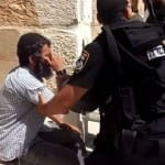 Religious Jew Given Water by Policeman on Temple Mount Immediately Arrested for Saying Blessing