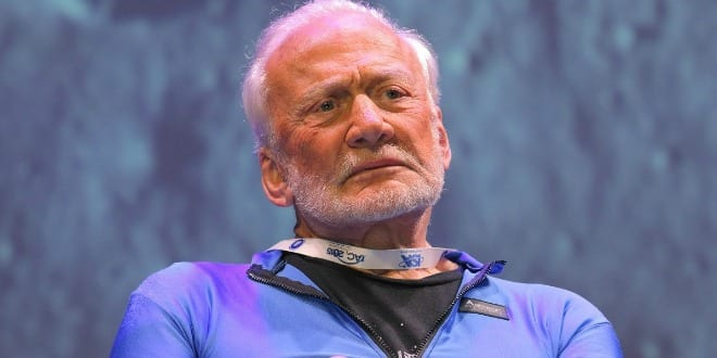 85-year-old Buzz Aldrin, who walked on the moon in 1969 in  speaks in Jerusalem on October 12, 2015. (Photo: Hillel Maeir / TPS)