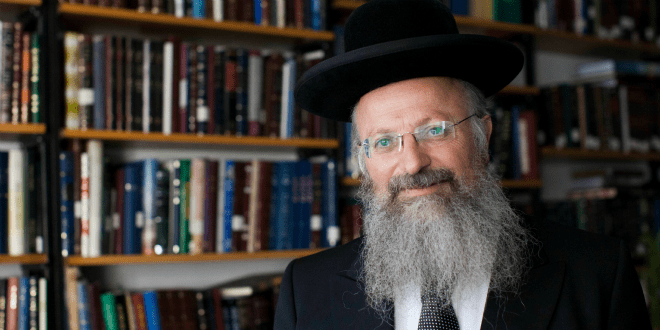 Rabbi Prosecuted by Court for Preaching Torah hailed as 'Modern-day Jeremiah'