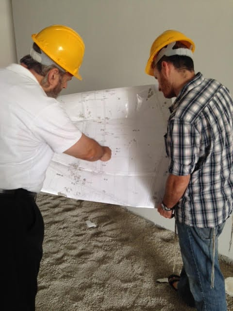 Build Up Israel's Shmuel and Gabi Sackett at the building site of the Sderot Medical and Rehabilitation Center. (Photo: Build Up Israel)