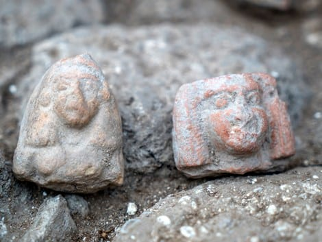 Female figurines dating to the Late Bronze Age (Photo: Eran Gilvarg/Israel Antiquities Authority)