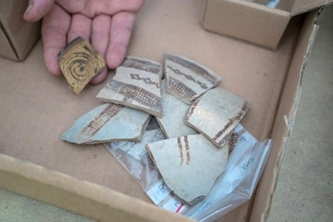 Fragments of decorated pottery vessels imported from Cyprus and Greece 3,400 years ago (Photo:Guy Fitoussi/Israel Antiquities Authority)