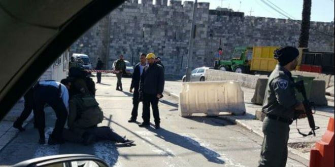 Security forces subdue a 16-year-old Palestinian girl wielding a knife at Jerusalem's Damascus Gate. (Photo: @IsraelNewsFirst Official Twitter Feed)
