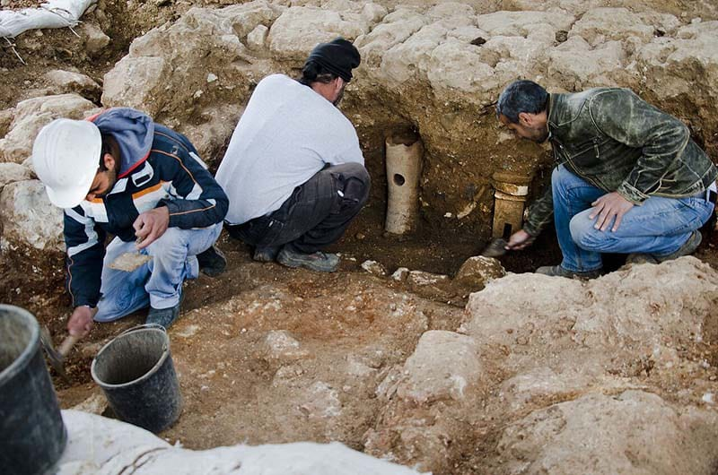 Terra cotta pipes uncovered at the site constitute evidence of the existence of an ancient bath house that operated there. (Photo: Israel Antiquities Authority/JNi Media)