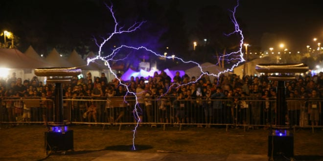 Geek Picnic is the largest Eastern European open air festival dedicated to popular science, modern technology, science and art, coming to Jerusalem for the first time 25.4.16. (Photo: Hillel Maeir/TPS)