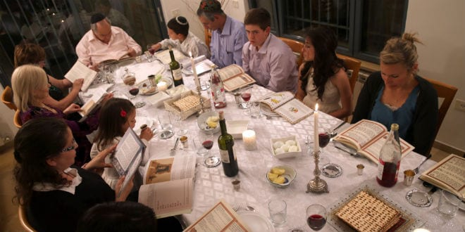 An Israeli family during their Passover Seder. (Photo By Nati Shohat/Flash 90)