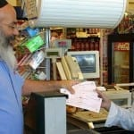 Colel Chabad Gave 50,000 Needy Families the Gift of Freedom this Passover