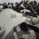 10,000 Jews Risk Lives to Pray at the Tomb of Biblical Joshua [PHOTOS]
