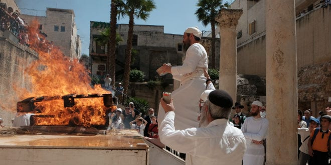 Rabbi Baruch Kahane, shown here offering the Omer (barley) sacrifice to God in the heart of the Old City of Jerusalem, has been appointed as High Priest by the nascent Sanhedrin. (Photo: Abba Richman)