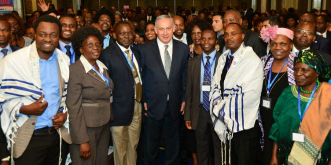 Israeli Prime Minister Benjamin Netanyahu meets with Evangelical Christians who support Israel, in Nairobi, Kenya, during PM Netanyahu's 4-day official visit to Africa. July 05, 2016. (Photo: Kobi Gideon/GPO)