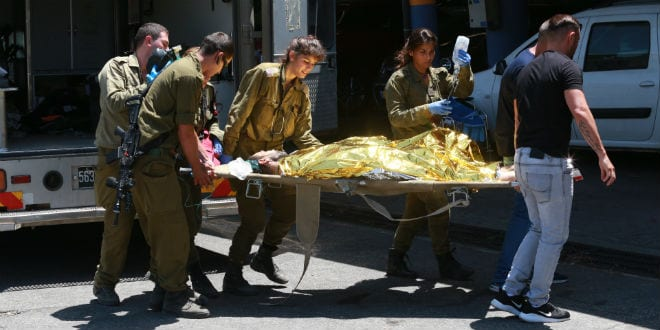 Two IDF Soldiers Wounded in Screwdriver Stabbing Attack in Gush Etzion