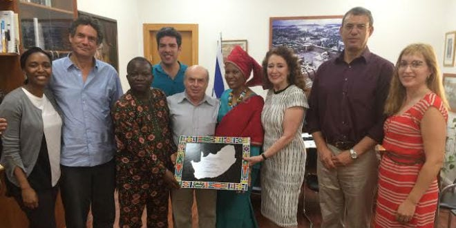 Jewish Agency Chairman Natan Sharansky meets with South African Pastor Linda Gobodo and Nigerian Pastor Olusegun Olanipekun at his office in Jerusalem, July 27, 2016. (Avi Mayer for The Jewish Agency for Israel)