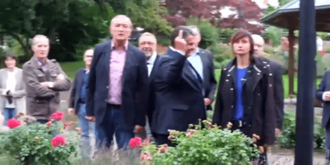 Vice Chancellor Sigmar Gabriel gives the middle finger to Neo-nazi protesters. (Video Screenshot)