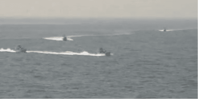 Iranian Revolutionary Guard Navy boats speeding towards the USS Nitze, August 23, 2016. (Video Screenshot)