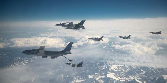 US Air Force F-16 Fighting Falcons refuel behind a KC-135 Stratotanker (U.S. Air Force photo by Staff Sgt. Shawn Nickel)