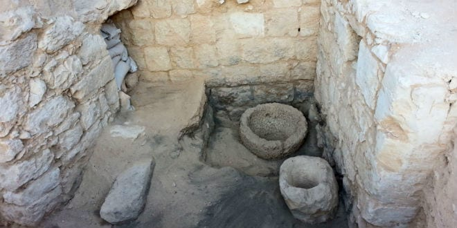 1 500 year old stable discovered in negev desert for Ancient israelite cuisine