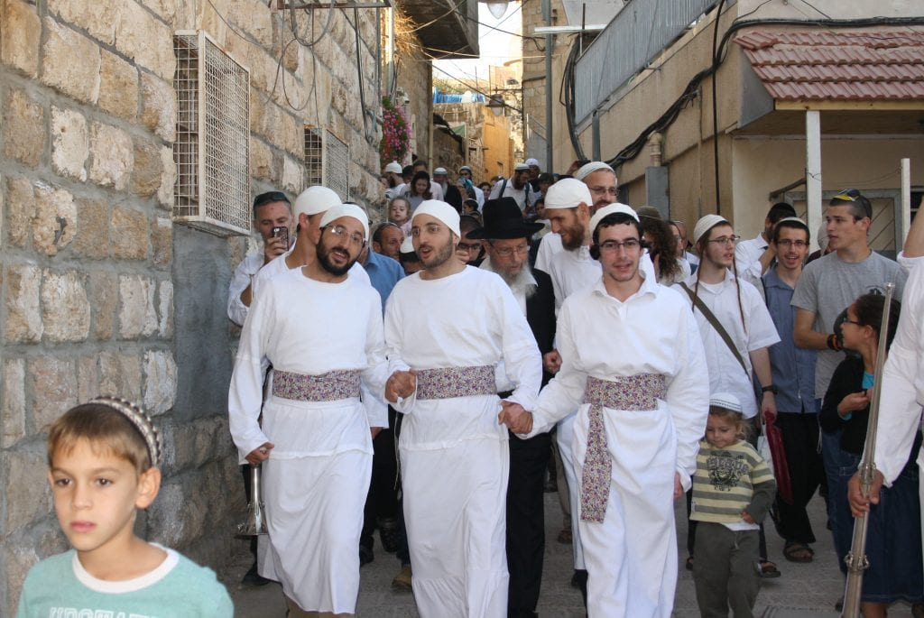 The Kohanim lead the procession back to the Hurva. (Adam Propp)