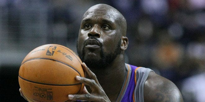 Shaquille O'Neal playing for Phoenix in 2009. (Keith Allison/Flickr)