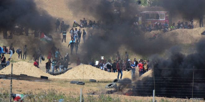 IDF Drops Warning Flyers on Gaza: 'Stay Away From Fence!'